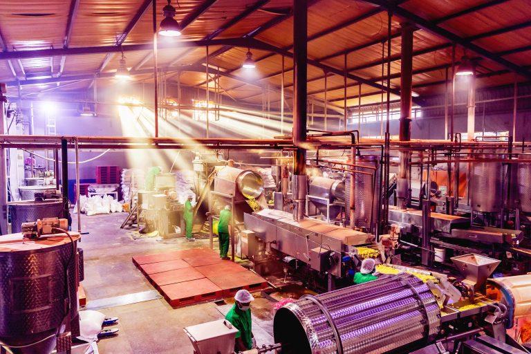 niedobór materiałów ograniczy wzrost produkcji